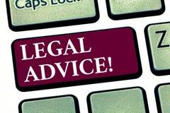 Konceptualny ręki writing pokazuje poradę prawną Biznesowa fotografia pokazuje rekomendacje dawać prawnika lub prawo konsultanta  zdjęcie stock