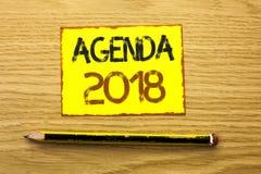 Konceptualny ręki writing pokazuje agendę 2018 Biznesowa fotografia pokazuje strategii rzeczy Planistycznego rozkładu Przyszłości Zdjęcie Royalty Free