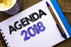 Konceptualny ręki writing pokazuje agendę 2018 Biznesowa fotografia pokazuje strategii rzeczy Planistycznego rozkładu Przyszłości Zdjęcia Royalty Free