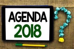 Konceptualny ręki writing pokazuje agendę 2018 Biznesowej fotografia teksta strategii Planistyczne rzeczy Planują Przyszłościowyc Obraz Royalty Free