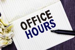 Konceptualny ręki writing pokazuje Biurowe godziny Biznesowy fotografia tekst godziny które normalnie prowadzą Pracujący czas Mar obrazy stock