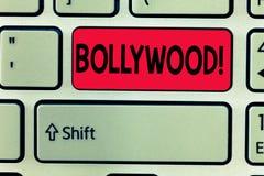 Konceptualny ręki writing pokazuje Bollywood Biznesowego fotografia teksta filmów przemysłu Mumbai Indiańska popularna ekranowa k obraz stock