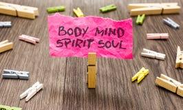 Konceptualny ręki writing pokazuje ciało umysłu ducha duszę Biznesowa fotografia pokazuje ogłoszenie towarzyskie terapii świadomo obraz royalty free