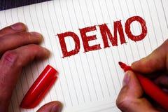 Konceptualny ręki writing pokazuje demonstrację Biznesowa fotografia pokazuje Próbną wersja beta testa próbki zapowiedź coś Proto Obrazy Royalty Free