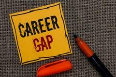 Konceptualny ręki writing pokazuje karierę Gap Biznesowa fotografia pokazuje A scenę dokąd w tobie pracować twój zawodem dla w za obrazy royalty free