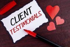 Konceptualny ręki writing pokazuje klientów Testimonials Biznesowy fotografia teksta klienta ogłoszenie towarzyskie Doświadcza pr fotografia stock