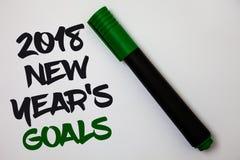 Konceptualny ręki writing pokazuje 2018 nowy rok cele Biznesowa fotografia teksta postanowienia lista rzeczy ty chcesz dokonywać  Zdjęcia Royalty Free