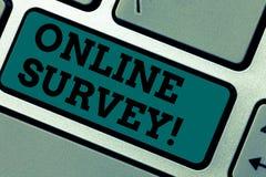 Konceptualny ręki writing pokazuje Online ankietę Biznesowa fotografia pokazuje Digital Media klienta Ankietową informacje zwrotn obrazy stock
