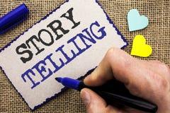 Konceptualny ręki writing pokazuje opowieści Mówić Biznesowy fotografii pokazywać Mówi krótkie opowiadanie części doświadczeń Oso Zdjęcie Royalty Free