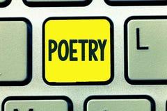 Konceptualny ręki writing pokazuje poezję Biznesowy fotografia teksta dzieło literackie w którym wyrażenie uczucia i pomysły zdjęcia royalty free