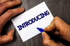 Konceptualny ręki writing pokazuje Przedstawiać Biznesowa fotografia pokazuje Przedstawiający temat lub someone Początkowego pode Zdjęcie Stock