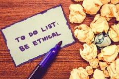 Konceptualny ręki writing pokazuje Robić liście Był Etyczny Biznesowa fotografia pokazuje plan lub przypomnienie który budują w e obraz stock