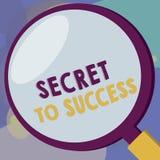 Konceptualny ręki writing pokazuje sekret sukces Biznesowego fotografia teksta Niewytłumaczony doścignięcie sława socjalny lub bo royalty ilustracja