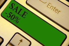 Konceptualny ręki writing pokazuje sprzedaż 50 Biznesowa fotografia teksta A promo cena rzecz przy 50 procentów markdown klawiatu royalty ilustracja
