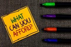 Konceptualny ręki writing seans Co Może Pozwalać sobie na pytanie Ty Biznesowy fotografia tekst Daje my twój budżet dostępności obraz stock