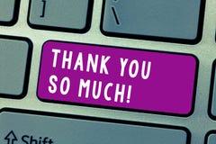 Konceptualny ręki writing seans Dziękuje Ciebie Tak Dużo Biznesowy fotografia teksta wyrażenie wdzięczność powitania docenienie zdjęcia royalty free