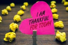 Konceptualny ręki writing seans Jestem Dziękczynny Dla Dzisiaj Biznesowy fotografia tekst Wdzięczny o utrzymaniu jeden więcej dzi obrazy stock