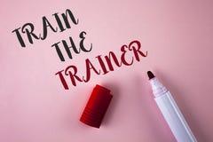 Konceptualny ręki writing seansu pociąg trener Biznesowa fotografia pokazuje uczenie techniki uczni jest nauczycielami themselves obrazy stock