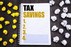 Konceptualny ręki writing teksta podpis pokazuje Tex Savings Biznesowy pojęcie dla podatków Savings pieniądze Ekstra zwrota Pisać Zdjęcia Royalty Free