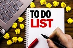 Konceptualny ręki writing teksta podpis Robić listy Biznesowemu pojęciu dla planu Spisuje Remider Pisać na pastylka laptopie, dre Obraz Stock