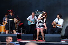 Koncert populal francuska projekt nowela Vaguesinger na Francofolies festiwalu w Blagoevgrad, Bułgaria 18 06 2016 Zdjęcia Royalty Free