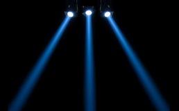 Koncertowy oświetlenie przeciw ciemnemu tłu Obrazy Stock