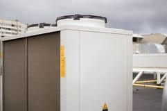 Kondensera enheten för industriellt betingande system för luft Arkivfoton