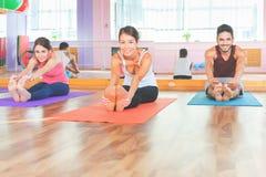 Kondition pilates, några sportaktiviteter, sund kropp arkivbild