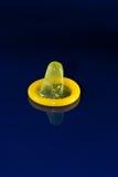 kondoma kolor żółty Fotografia Stock