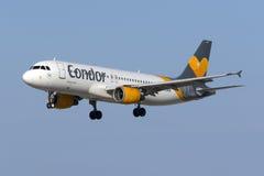 Kondor A320 auf kurzen Schlüssen Stockfotografie