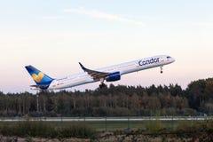 Kondor Boeing 757-300 nach entfernen sich Lizenzfreie Stockfotos