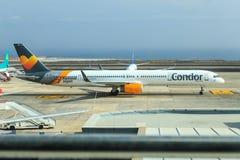 Kondor Boeing 757 på Tenerife Arkivbilder