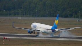 Kondor näherndes Boeing 767 stock video