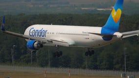 Kondor näherndes Boeing 767 stock video footage