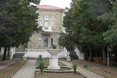 Kondygnacja dom z kamiennymi ścianami Obraz Royalty Free