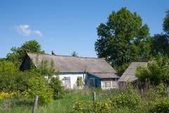 Kondygnacja wiejski dom w Bestuzhevo, Rosja 28 05 2018 Obrazy Royalty Free