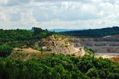 Koneprusy grottor i Tjeckien, sommar royaltyfria foton