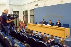 Konferencja prasowa Jeremy polowanie, minister Cudzoziemskie sprawy - sprawy Zjednoczone Królestwo Rinkevics i Edgars, minister C fotografia royalty free
