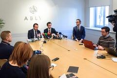 Konferencja prasowa przy ABLV bankiem w Ryskim obraz stock