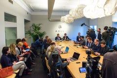 Konferencja prasowa przy ABLV bankiem w Ryskim obraz royalty free