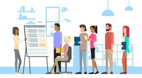 Konferens för grupp för Businesspeople för bräde för show för affärskvinna som möter Flip Chart vektor illustrationer