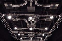 Konferenskorridor med röda stolar Fotografering för Bildbyråer