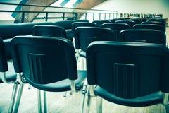 Konferenskorridor som är förberedd för seminarium Royaltyfri Foto