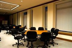 konferenslokaltabeller arkivbilder
