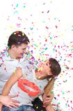 konfettiar förbunde lyckligt Royaltyfri Bild