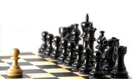 Konfrontation gegen schwarze Ränge. Schach. Lizenzfreies Stockfoto