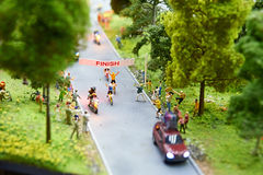 Koniec jeździć na rowerze na pięknej naturze obraz stock