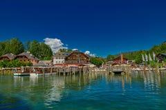 Konigsee-Dorfansicht vom Boot Stockbilder
