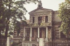 Konin, Πολωνία Εγκαταλειμμένο και παραμελημένο παλάτι του Edward Raymond ` s στοκ φωτογραφίες με δικαίωμα ελεύθερης χρήσης
