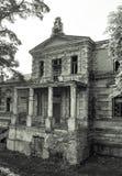 Konin Polen Övergiven och försummad slott för Edward Raymond ` s royaltyfria foton